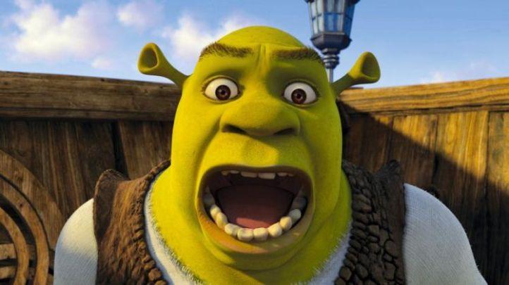 Film: Shrek (2001). Shrek (MIKE MYERS) is unduly alarmed in Dre