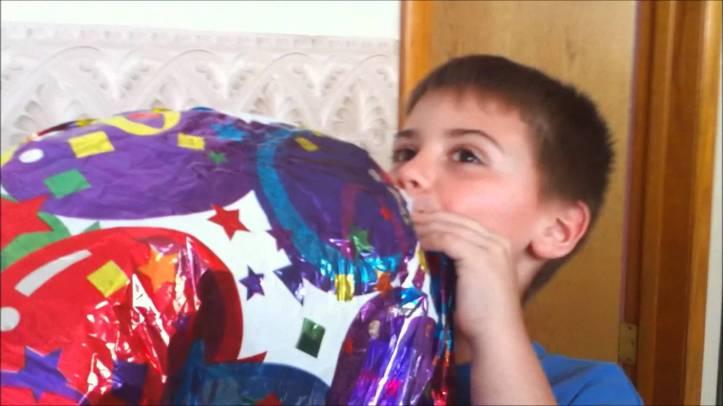 kidwithballooon