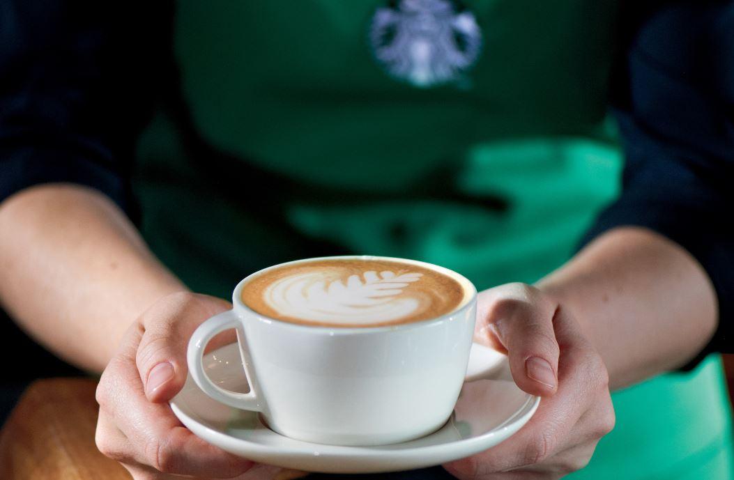 Barista_latte_art
