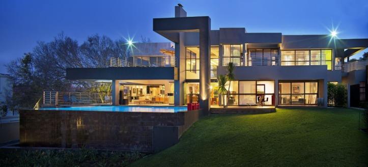Modern-Luxury-Home-Johannesburg_2.jpg