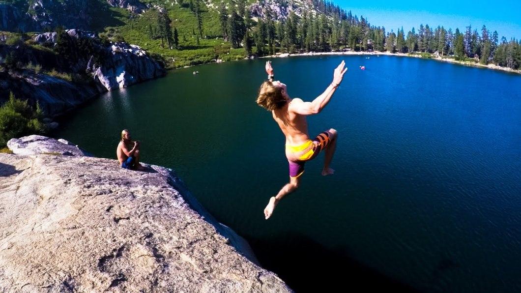 cliffjumping